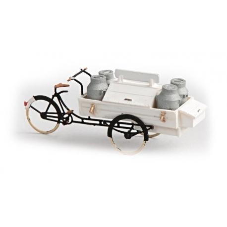Tricycle de livraison de lait 1/87