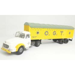 "CB074 - Tracteur Willème et remorque kangourou ""O.G.T."""